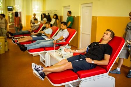 チケット代は献血で?ルーマニアの「Untold Festival」が超シュール